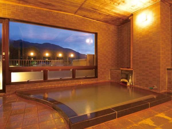【女性浴場/織女(しゅくじょ)】志賀高原の山々や北信五岳が臨めます