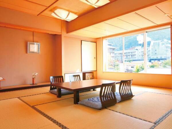 【特別室/例】宿おすすめの特別室。北アルプスを望みながらゆったり広々と過ごせる。(ツインベッド・リビングルーム付き)