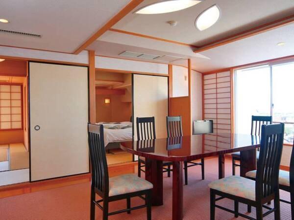 【特別室/例】ご家族やグループ様おすすめ。リビングルーム付客室。
