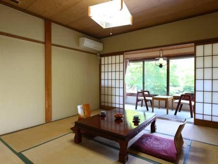 禁煙【旧館■和室8畳】昔ながらのお部屋一例/その昔「ランプの宿」と呼ばれた旧館