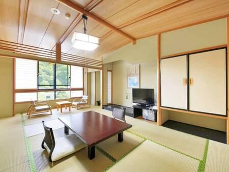 【飛翔館(本館)和室/例】信州の山並みまたは庭園を望む