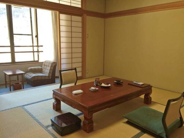 【祥泉館(旧館)和室/例】お値打ちな旧館は広さ8畳の和室