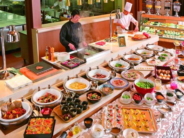 【絶品バイキング/例】厳選食材の絶品創作メニューをご用意!実演料理を含む和洋約40種
