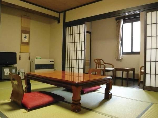【和室/例】9畳以上の和室へご案内
