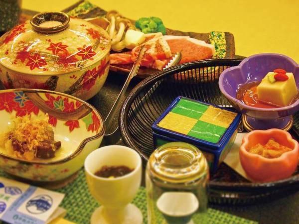 【名物 焼き肴・信州ポークのメイン料理選択/例】当館自営の青果市場直送の旬菜を中心にした郷土料理