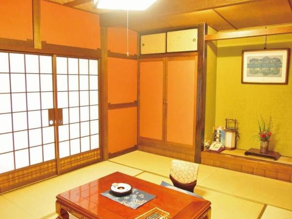 【12.5畳和室/例】すべてのお部屋が建具・照明・床の間など、趣が異なる造り