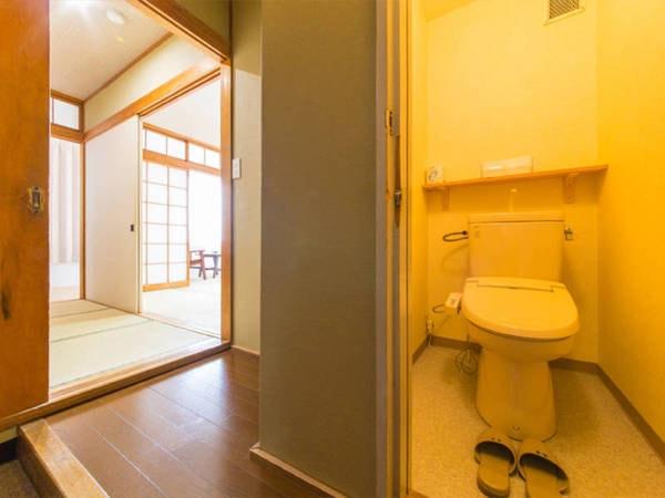 【本館和室/例】宿基本の部屋。10畳和室へご案内