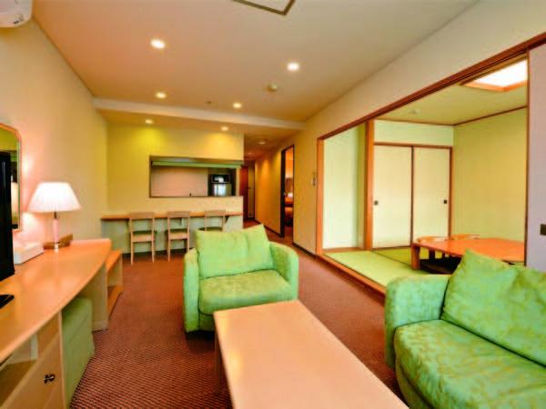 【客室/例】6畳+ツインの61平米和洋室にご案内!