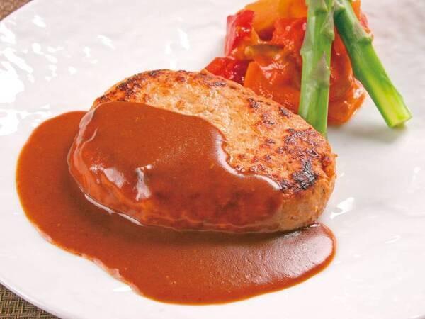 【メイン料理:手作りハンバーグを食べ放題/例】メイン料理「ハンバーグ ~ライブビュッフェ食べ放題」