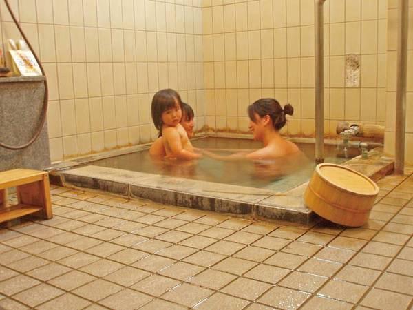 【貸切家族風呂/木もれび】空いていれば入浴可。無料。