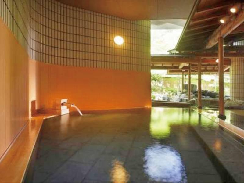 【庭園露天風呂/木肌の湯】華の湯全体でお風呂は30種類!
