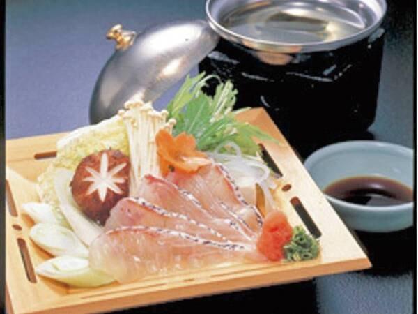 ズワイ蟹付会席膳〈鯛しゃぶメイン〉