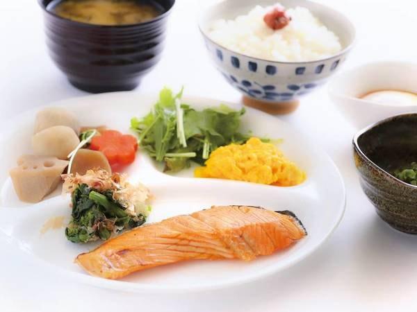 【朝食/例】朝食は和洋バイキングをご用意!約20種のメニューで朝の活力を