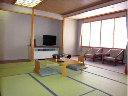 【和室/例】窓からは裏磐梯高原の自然が楽しめる8畳以上の和室をご用意!