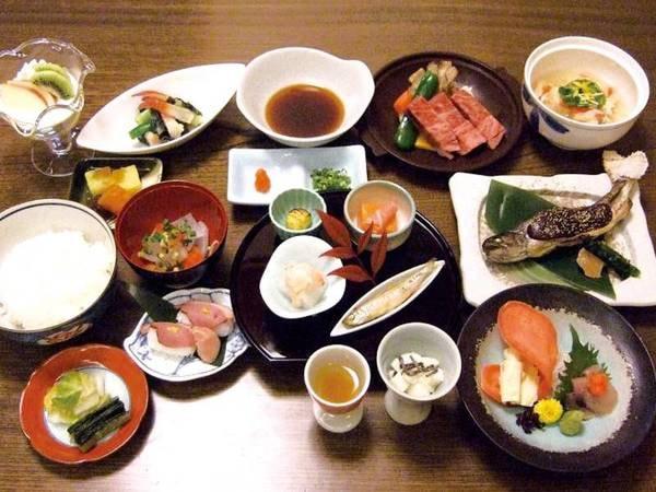【夕食/例】素材を活かした料理長自慢の創作和会席をご用意