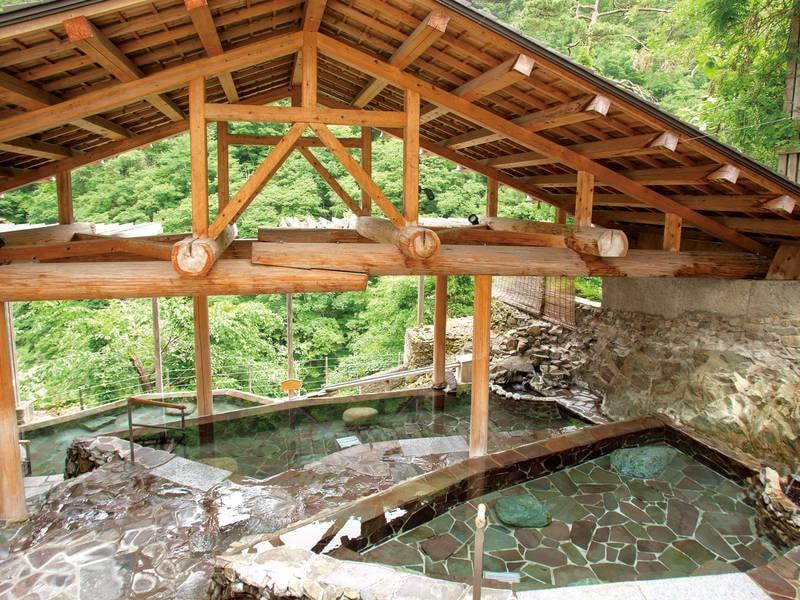 【露天風呂】露天風呂『四季舞台たな田』から大川渓谷を眺望!