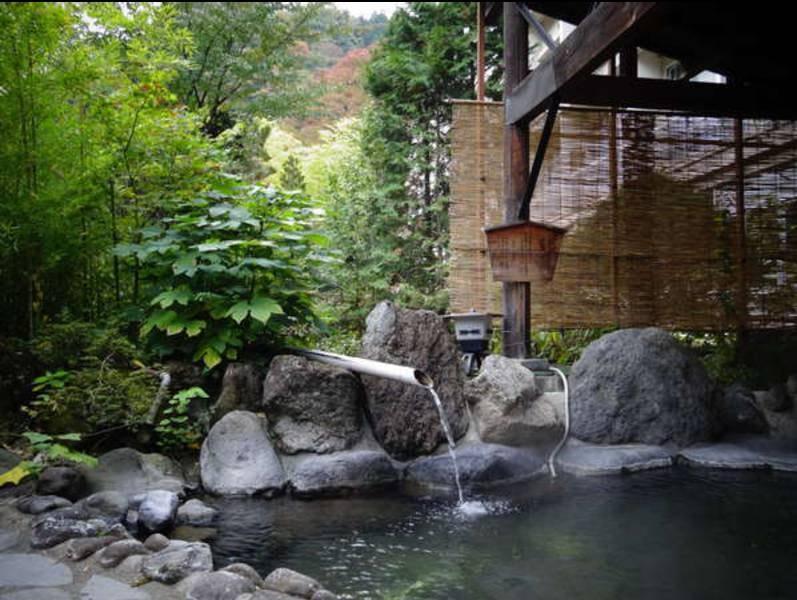 【大浴場露天風呂】聖徳太子の時代から愛された湯治の宿