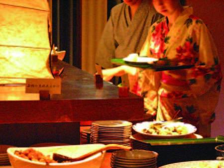 【食事内容お任せ/例】お手前料理+ハーフバイキングまたは和食膳をご用意※指定不可