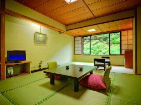 【10畳和室/例】渓流側の和室10畳をご用意!