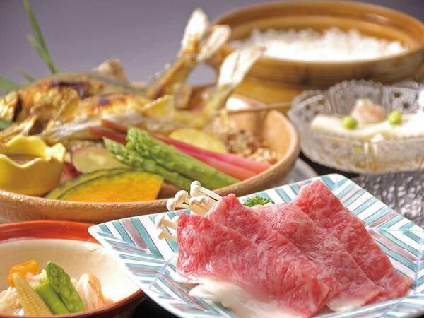【旬菜和牛しゃぶしゃぶ/例】福島牛はとろける食感と甘みが特徴