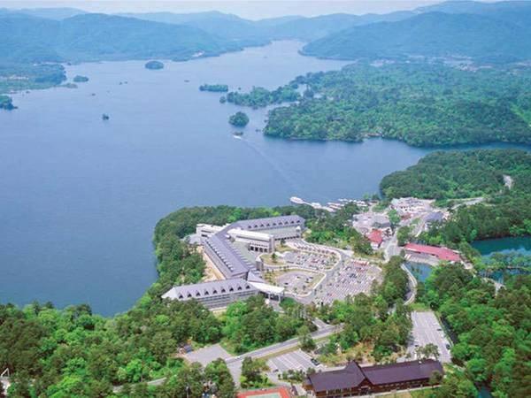 【外観】エリア最大の湖「桧原湖畔」に佇み、五色沼まで徒歩3分