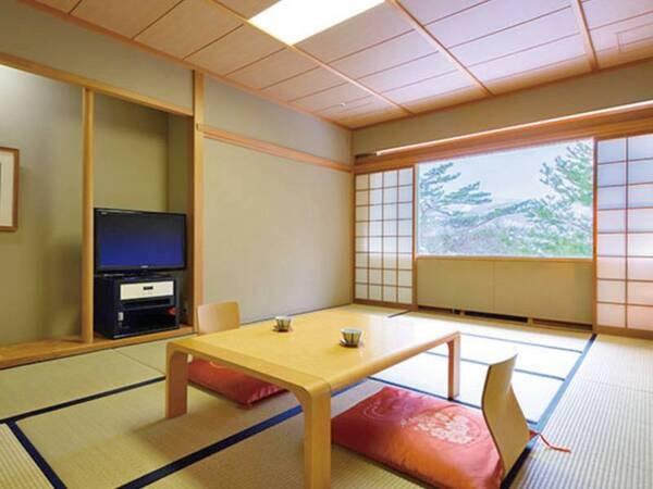 【客室/例】足を伸ばしてゆったりと過ごせる、広々12畳の和室へご案内※全室禁煙