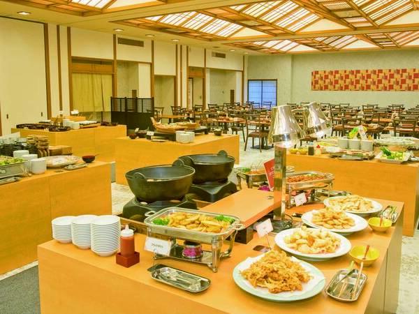 【食事会場/例】ハーフバイキングではお好み釜飯やサラダ・おつまみなどお好きなだけ!
