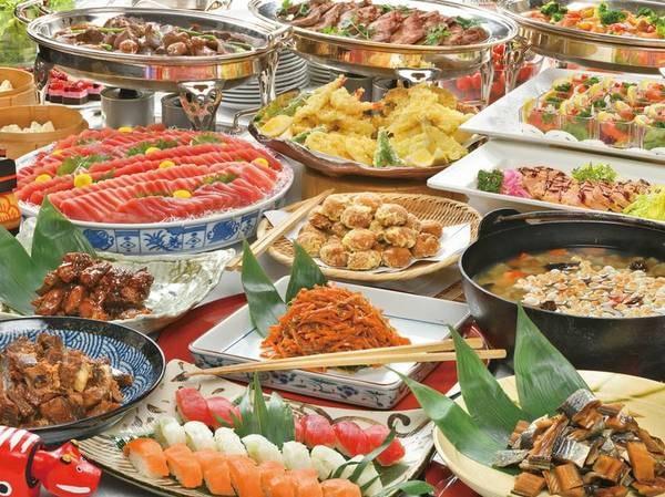 【和洋中50種バイキング/例】ローストビーフやお寿司、天ぷら等出来立て料理を愉しむ