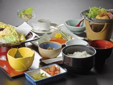 【棚倉和食膳/例】彩豊かな品々
