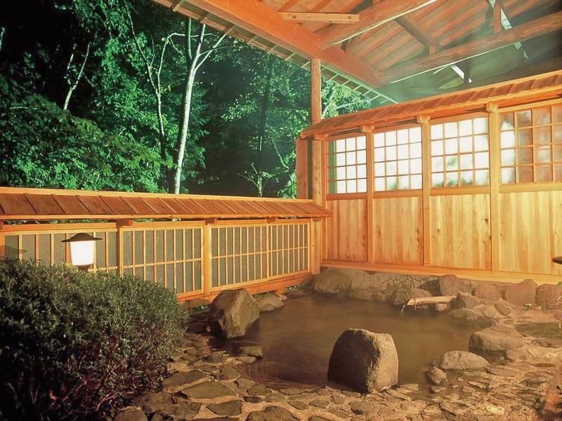 【澤の湯】奥土湯一軒家のため静寂と渓流の音に癒される