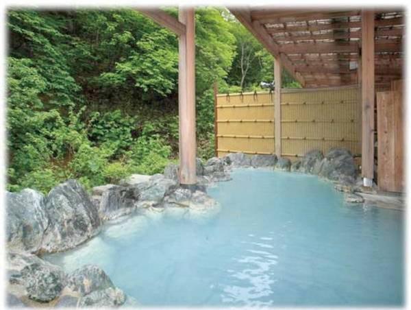 【高湯温泉のんびり館】せせらぎと憩いの宿で宿自慢の料理に舌鼓
