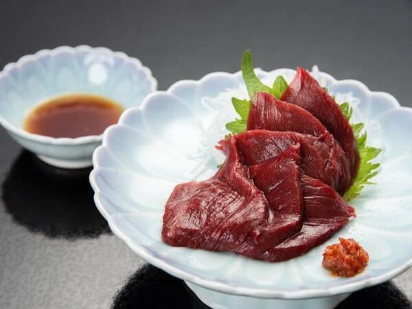 *【夕食一例】福島名物の馬刺し。味噌タレが良く合います!