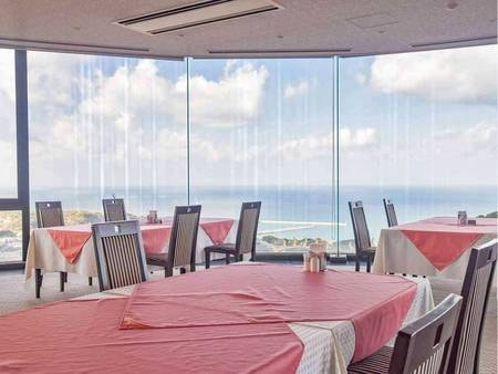 【朝・夕レストラン】高台から瀬戸内海や淡路島の町を見下ろす抜群の眺望。夕日もまた格別の美しさ