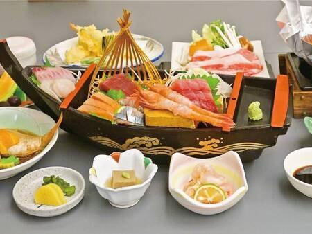 大漁!舟盛りお造り付き会席/例