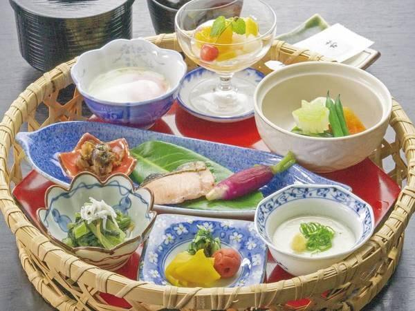 【朝食/例】地場食材を使った和朝食