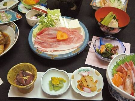 【料理長おまかせ会席/例】海鮮鍋、鮮魚3種盛り、天ぷら、焼き物、地魚煮付など