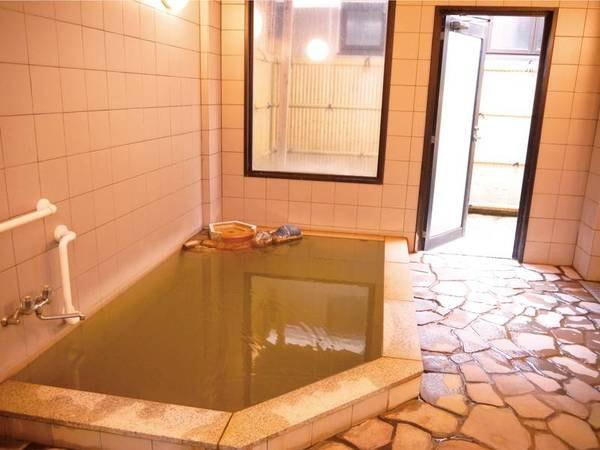【七釜荘】★2名様まではお部屋食確約★かけ流し温泉と日本海の味覚を満喫できる宿