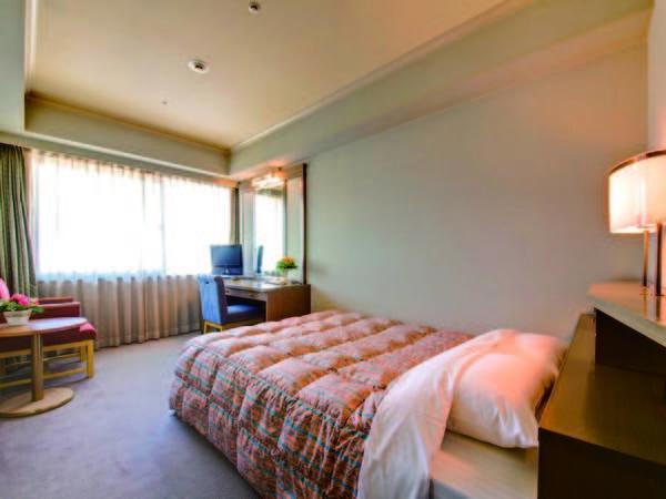【セミダブル/例】約17~18㎡のお部屋にベッド幅140㎝
