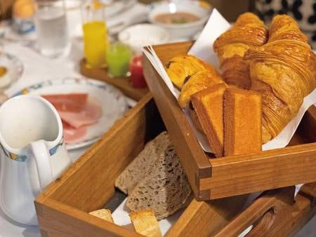 焼き立てパン/例
