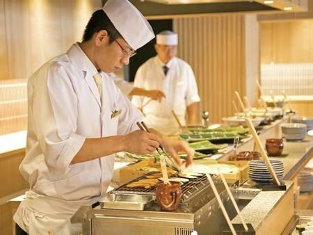 【夕食ディナーブッフェ/例】約60種類のメニューからお好みで