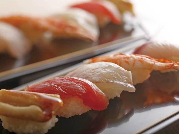 【夕食ディナーブッフェ/例】握りたてのお寿司