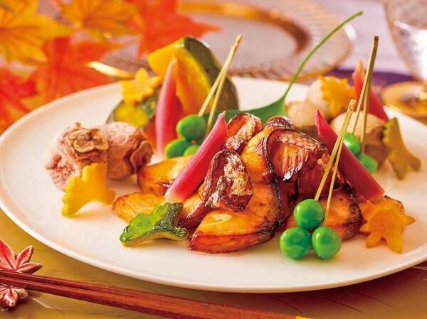 【★2021秋の料理フェア★】秋鮭若狭焼きと根菜煮 吹き寄せ盛り※イメージ