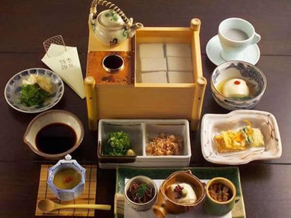【朝食/例】丹波の黒豆豆腐膳