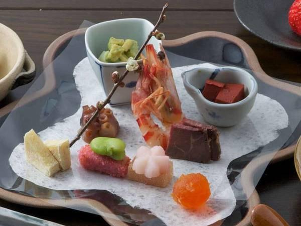 【割烹料理/一例】自社農場で作る有機野菜や明石で獲れた魚介類を使用