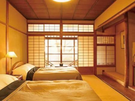 【和風ツインB/例】庭に面した縁側が趣深い。畳の部屋にベッドが入ったスタイル