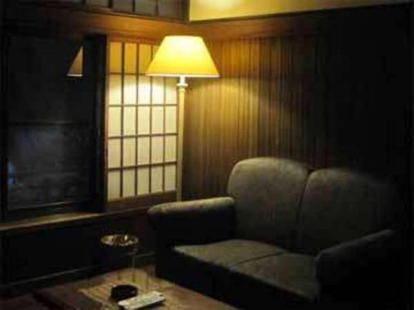 【一番人気スイートルーム/例】リビング・和室・ベッドルームがついたゆったりとしたお部屋