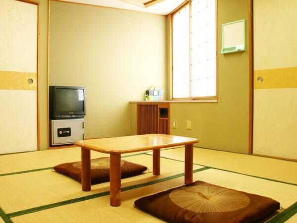 【和室一例】畳でごろごろ♪ゆったりお寛ぎいただけます。