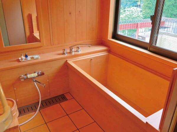 洋室ツイン(部屋に付属の檜風呂)