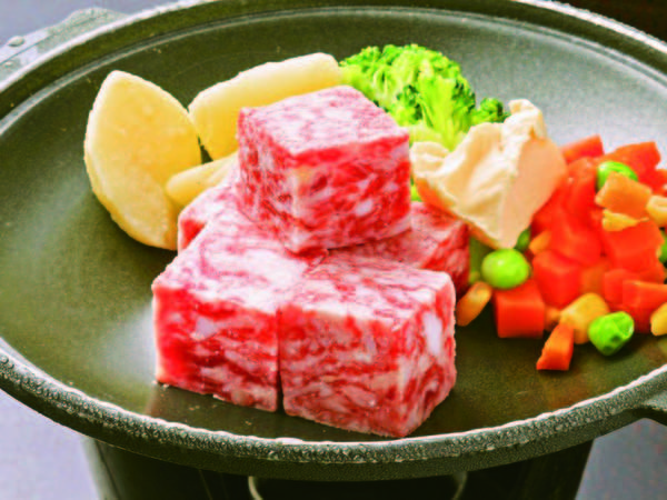 【牛サイコロステーキ/例】お手頃価格で追加できるのが嬉しい