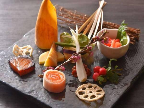 【夕食/一例】小西ホテル特製一口前菜盛り合わせ